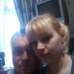 Семейная пара, ищем хорошенькую девушку с фантазиями в Таганрое для секса