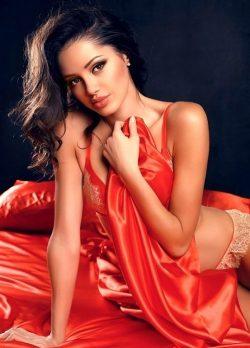 Красивая девушка из Таганрог хочет секса сегодня